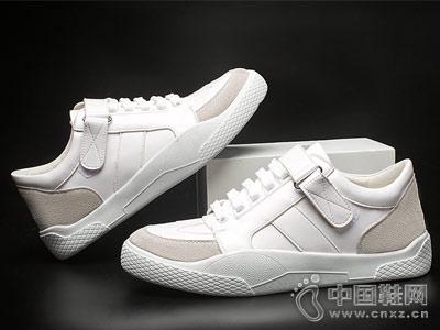 想川男鞋2018新款小白鞋