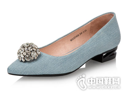 伊伴女鞋2018新款单鞋