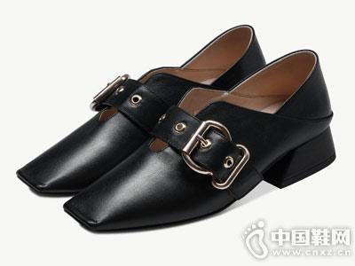 卡美多2018秋季新款方头深口单鞋