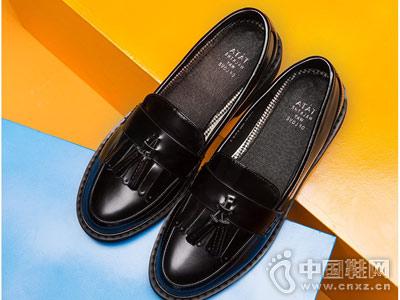 他她女鞋新款英伦流苏乐福鞋