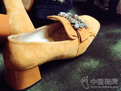 秋季浅口纯色AS女鞋方口单鞋