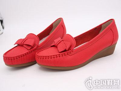 坡跟浅口妈妈鞋双凤乐福鞋