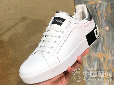 杜嘉班纳18新款内增高小白鞋