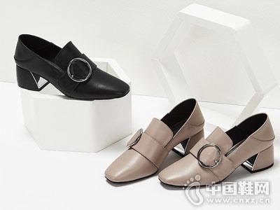 杜拉拉方头粗跟深口金属扣饰高跟单鞋