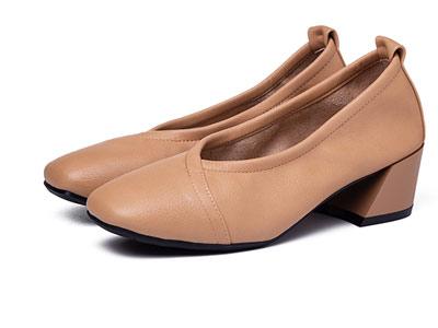 巨日2018秋季新品女鞋粗跟舒适单鞋