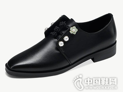 卡美多2018秋季新款英伦风舒适平底鞋