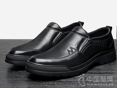 休闲皮鞋惠特韩版潮流套脚乐福鞋