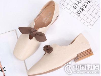 小皮鞋2018秋季新款英伦东蒂名坊玛丽珍鞋