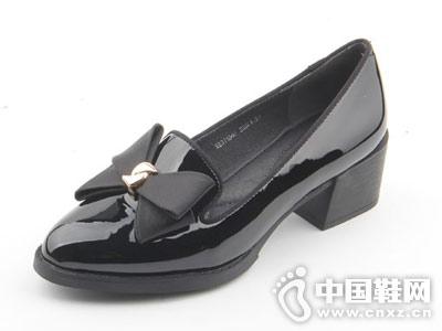 尖头蝴蝶结装饰休闲浅口漆皮仙妮特单鞋