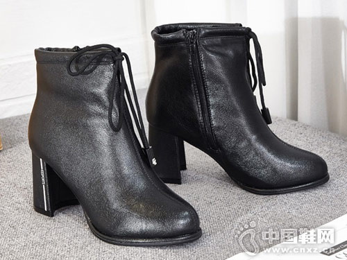 巨一2018冬季新款圆头粗跟短靴
