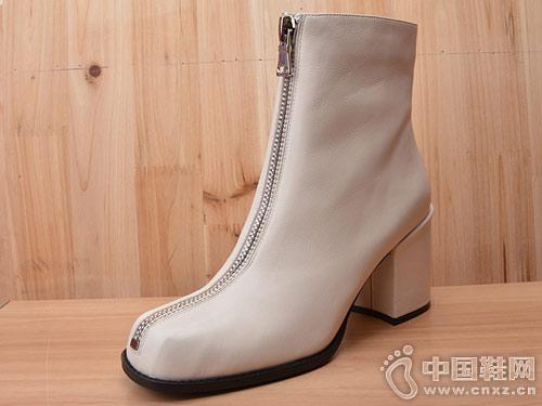 18冬款Eiaimi依百媚胎牛皮粗跟方头短靴