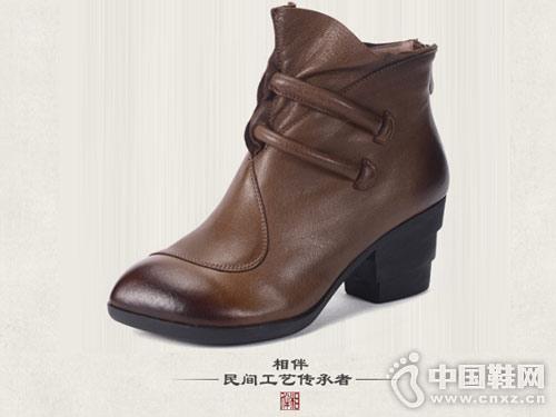 手工复古真皮女鞋相伴粗高跟女短靴