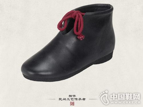 相伴手工复古牛皮鞋系带真皮马丁靴