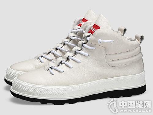 卡丹路冬季新款男士高帮板鞋小白鞋