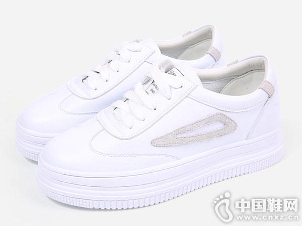 东帝名坊小白鞋新款运动休闲厚底板鞋