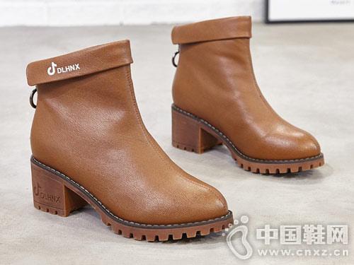2018冬季新款韩版巨一短筒靴子