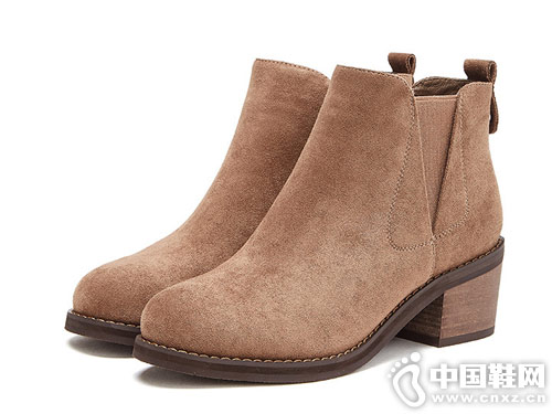 2018年冬季新款优雅时尚粗跟热风短靴