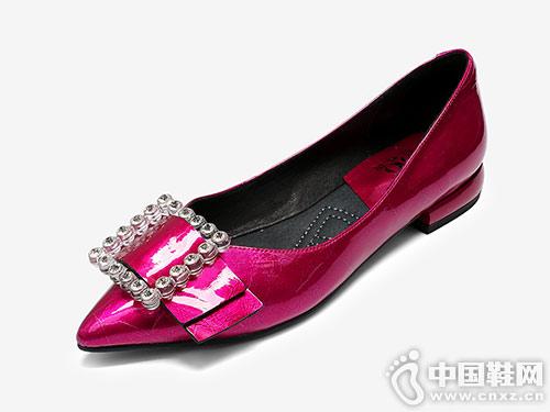 欧罗巴玫红色粗跟低跟单鞋女款 舒适白搭