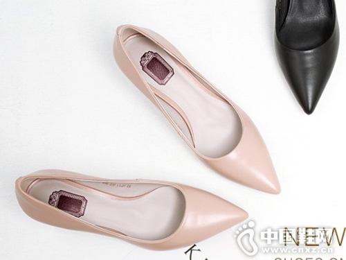 新款欧米高女鞋春季中跟尖头单鞋