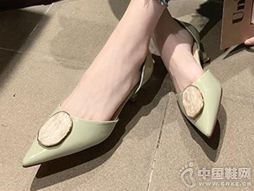 尖头凉鞋女中跟香香莉2019夏季新款