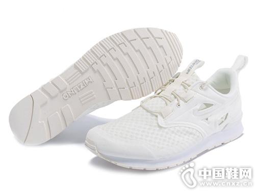Mizuno美津浓休闲鞋 鞋面透气网布设计