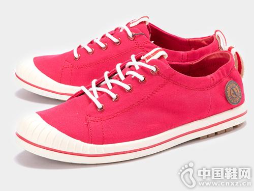 19新款AIGLE 艾高女士低帮休闲帆布鞋