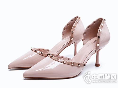 2019新款米薇卡女鞋 性感铆钉 尖头高跟鞋