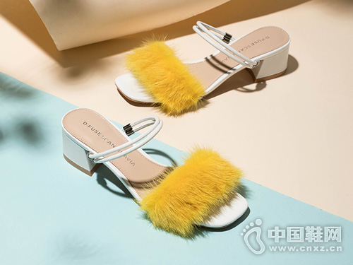 2019夏季新款D:Fuse迪芙斯毛毛凉鞋