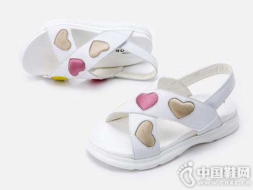 格慕隆童鞋2019新品上新 时尚爱心拼接