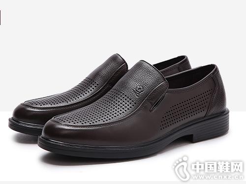 2019梦特娇夏季新款男士皮鞋透气套脚
