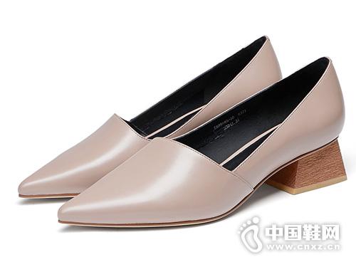 ts蹀愫2019秋季新品法式简约尖头中跟单鞋