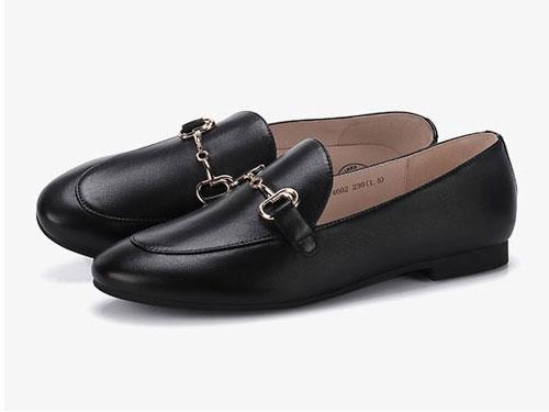 骆驼女鞋2019新款秋季乐福鞋