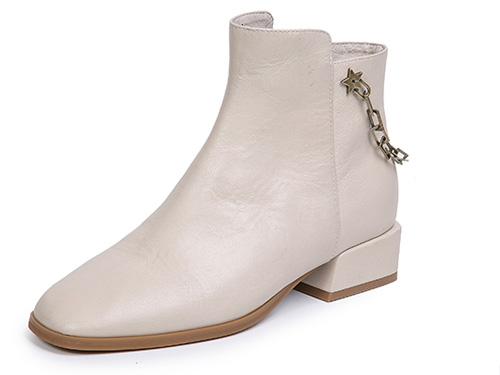 千百度女鞋2019秋冬新品中跟短靴