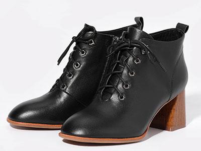 都市情人粗跟短靴女2019新款百搭英伦风马丁靴