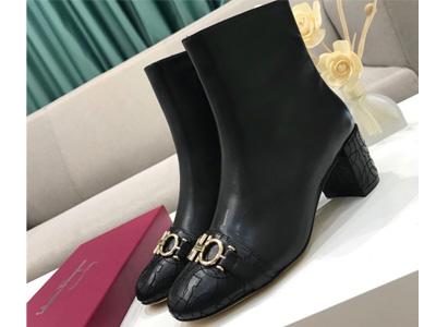菲拉格慕女鞋2019新款短靴粗短靴