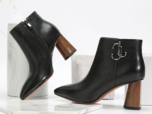 卡文复古尖头粗跟简洁皮质女鞋迷你靴