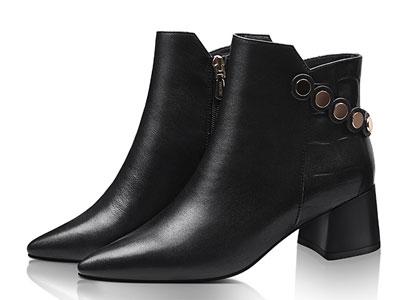 香阁儿尖头女鞋冬季新款靴子气质粗跟百搭