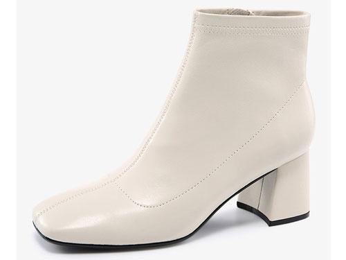 哈森2019冬新款羊皮革方头粗高跟短靴