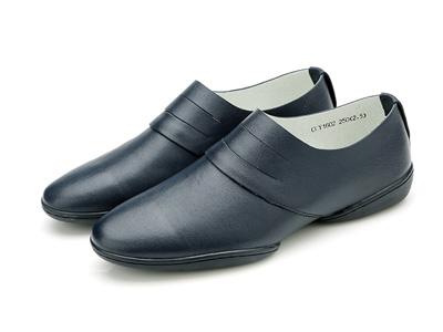 Olunpo欧伦堡春季新款套脚轻质男鞋