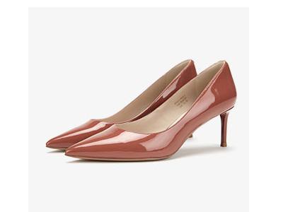 73Hours高跟鞋2020新款尖头细跟单鞋