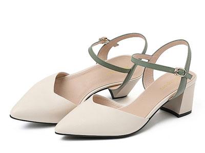 曼湾包头凉鞋女尖头2020年新款百搭真皮一字带