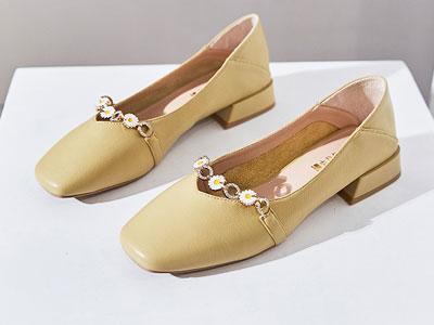 华耐2020夏季新款小雏菊仙女风低跟女鞋