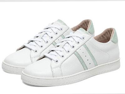HushPuppie暇步士板鞋女平底小白单鞋2020新款