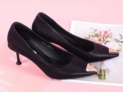 靓典女鞋2020新款高跟鞋细跟尖头浅口