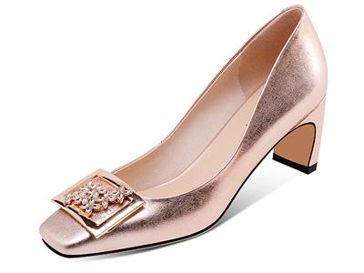 贝蒂佩琪水钻方扣浅口高跟鞋女新粗跟单鞋