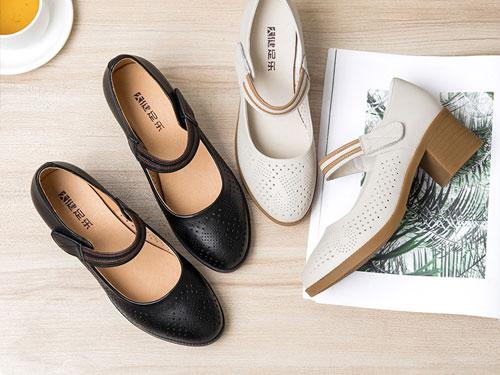 FOX金狐狸休闲皮鞋中跟女鞋轻便舒适粗跟