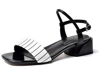 路尚2020夏季新款女时尚一字扣带凉鞋