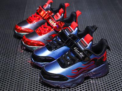 卡西龙运动鞋2020秋季新款时尚舒适儿童休闲鞋潮