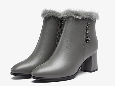 意尔康女鞋2020冬季新款真皮粗高跟加绒保暖皮靴