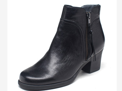 爱柔仕AEROSOLES新款冬季中跟切尔西圆头短靴
